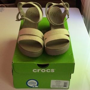 Crocs size 9 women's shoes Leigh wedge tan canvas